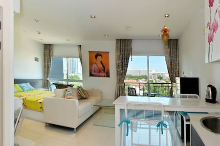 Bright studio 60. The Gallery Condo - Pattaya - Apartment