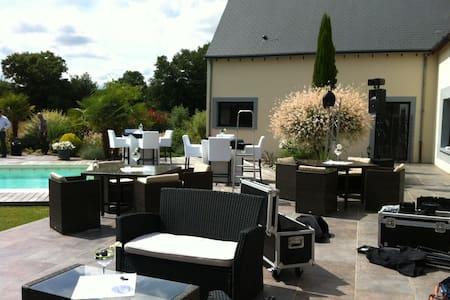 Superb Villa 300 m2 of housing - Moncé-en-Belin