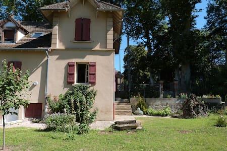 Maison Centre de PARAY-Le-MONIAL - Grand Confort - House