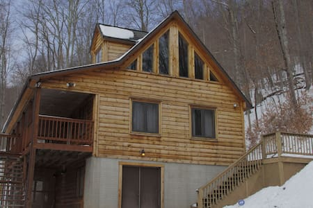 Woodland Gem-Hot Tub, WiFi, Private - Slaty Fork
