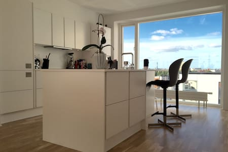Luxurious penthouse apartment in midtown/near MCH - Herning - Apartamento