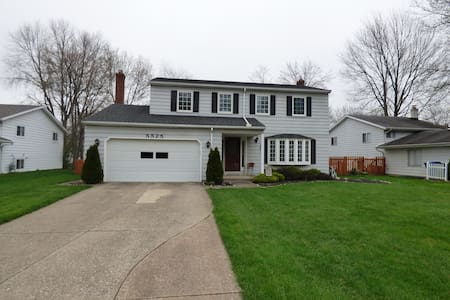 RNC 2 BR 20 mins from Dwtn CLE - North Olmsted - Casa