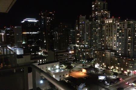 17th Floor Highrise Loft in Dowtown San Diego - San Diego - Loft