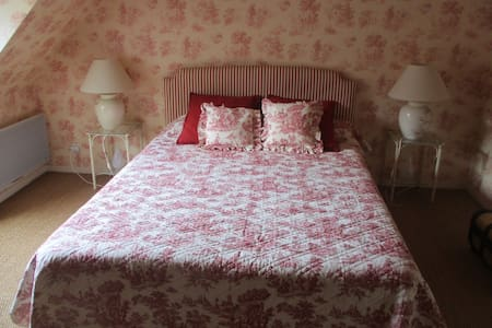 Chambre Ronsard, double - cadre agréable - Bed & Breakfast