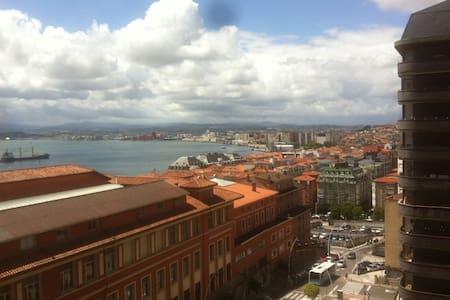Best views / Las mejores vistas, en el centro - Apartamento