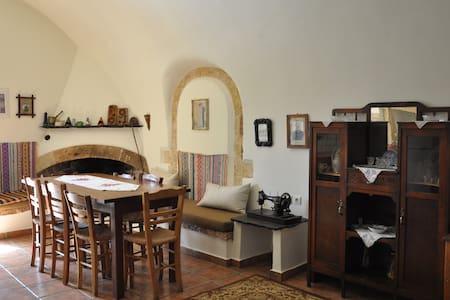 Παραδοσιακή καμάρα - Haus