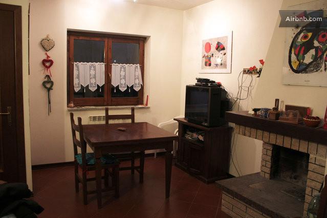 Campo felice in villino a tre piani in casamaina for Piani artigiani con suite in suocera