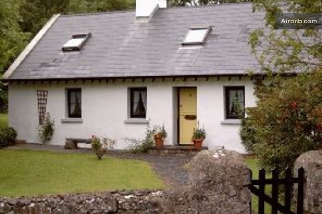 Traditional Irish Cottage In Galway In Galway