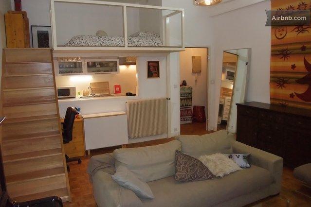 big duplex studio with mezzanine in paris. Black Bedroom Furniture Sets. Home Design Ideas