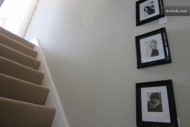 The staircase 39 bone 39 paint farrow ball portraits for Farrow and ball bone