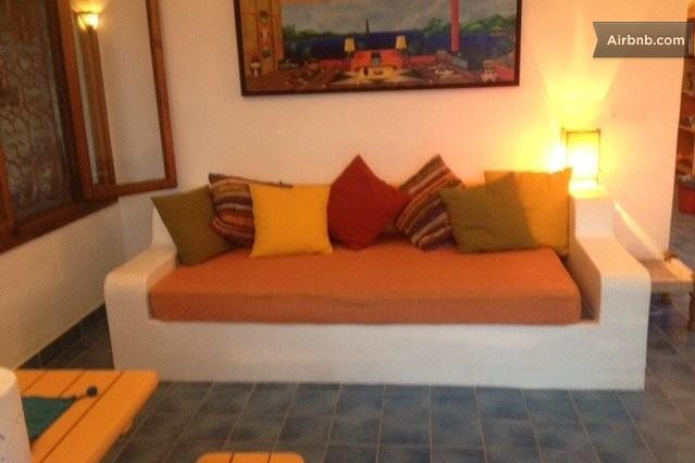 La casa di papelu 39 a costa saracena castelluccio - Divano in muratura ...