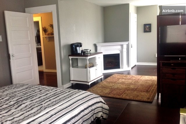 300 Sq Ft Room In Heart Of Portland In Portland