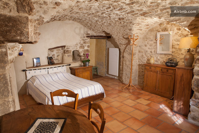 Chambre d 39 h te au pied du luberon in cucuron for Chambre hote luberon