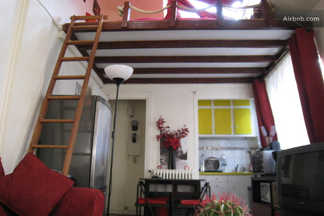 One room apartment with mezzanine in parijs - Kamer mezzanine ...