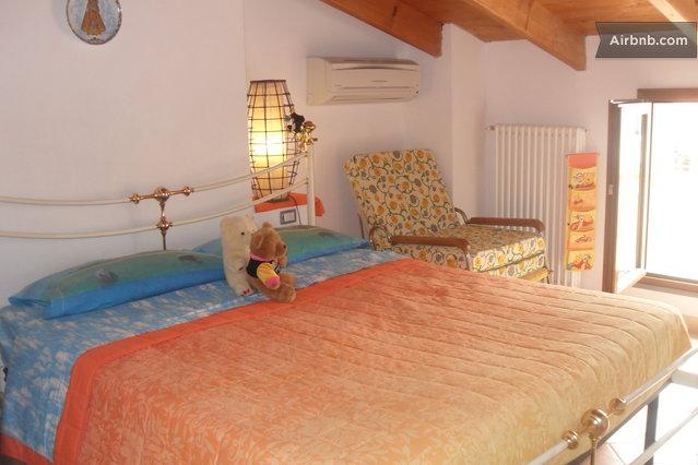 Feel like home at mauro giovanna in alghero for Poltrona letto matrimoniale