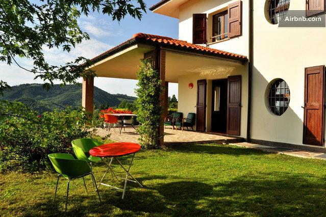 Friendly 60 39 S Design Hilltop B B In Monte San Pietro