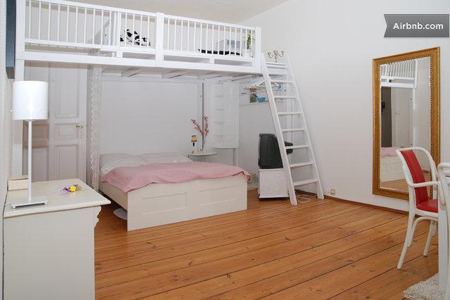 1 zimmer wohnung in sch neberg wlan in berlin. Black Bedroom Furniture Sets. Home Design Ideas