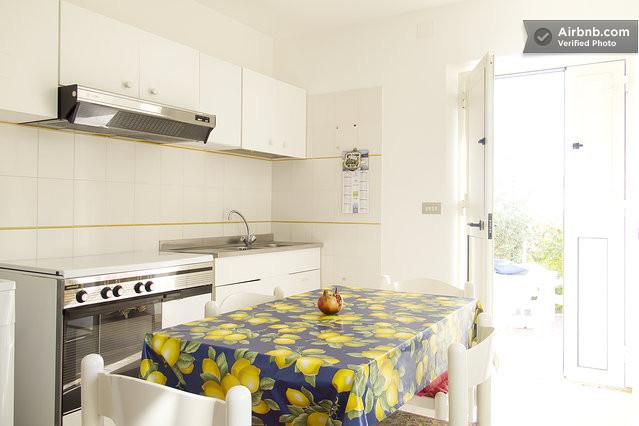 Sardegna casa mare piano terra a cala gonone for Planimetrie a un piano con due master suite